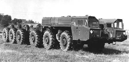 МАЗ 7916 в степи