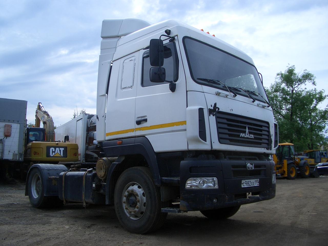 Автомобиль МАЗ-5440