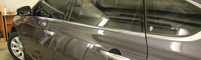 Тонировка стекол автомобиля в Москве