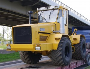 Какая цена на трактор К-701 в России?