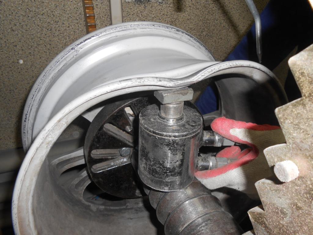 Качественный ремонт литых дисков в Москве